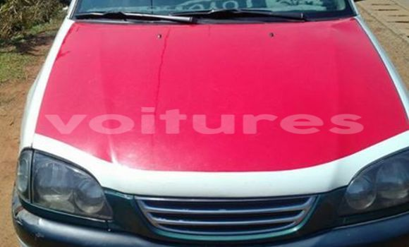 Acheter Voiture Toyota Avensis Rouge à Libreville en Estuaire