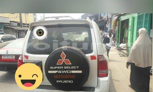 Acheter Voiture Mitsubishi Pajero Blanc à Libreville en Estuaire