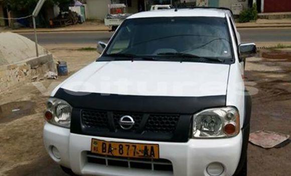 Acheter Voiture Nissan Hardbody Blanc à Libreville en Estuaire