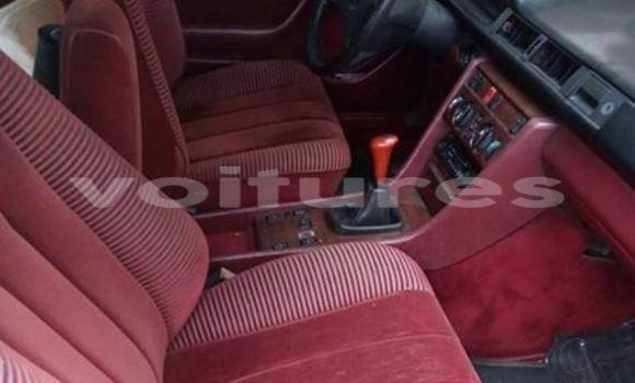 Acheter Voiture Mercedes-Benz 230 Rouge à Libreville en Estuaire