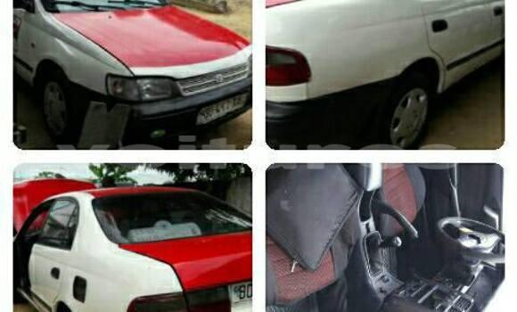 Acheter Voiture Toyota Carina Blanc à Libreville en Estuaire
