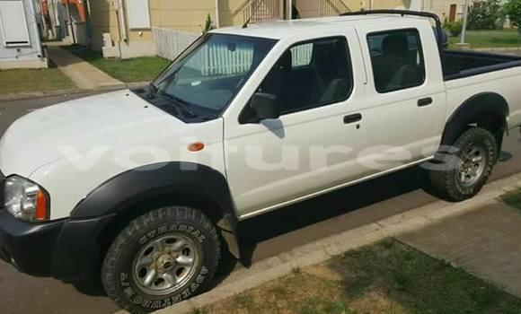 Acheter Voiture Nissan Pickup Blanc à Libreville en Estuaire