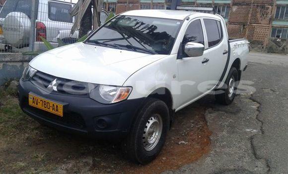 Acheter Voiture Mitsubishi L200 Blanc à Libreville en Estuaire