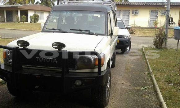 Acheter Voiture Toyota Land Cruiser Blanc à Libreville en Estuaire